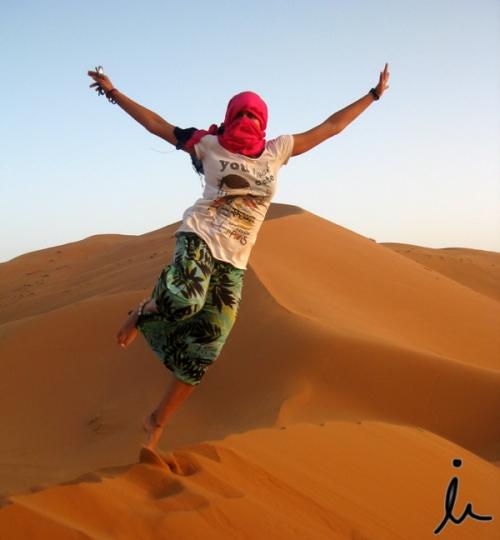 Saltando Erg Chebbi Merzouga