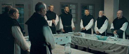 De dioses y hombres_escena cena
